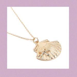 Layered Seashell Pendant Necklace